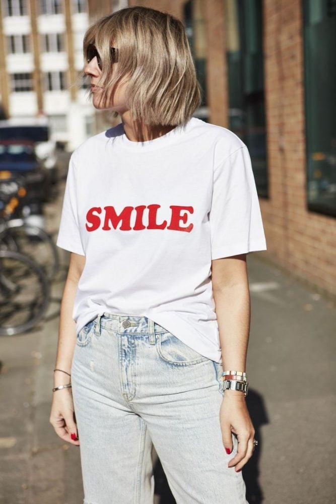 SMILE TEE ON EMMAROSESTYLE.COM