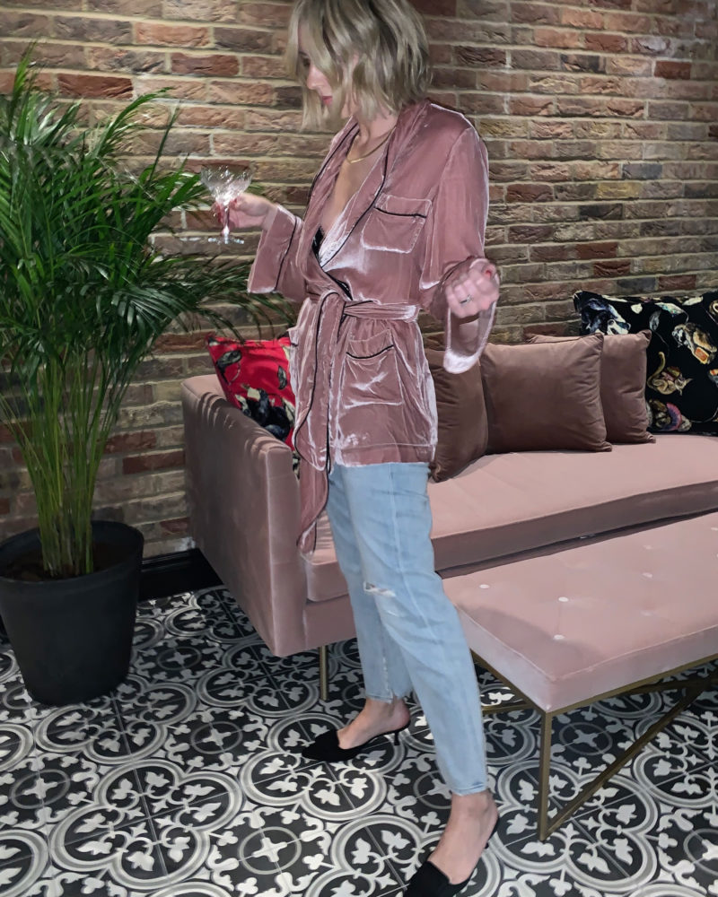 EMMA ROSE STYLE WEARING SLEEPING WITH JACQUES